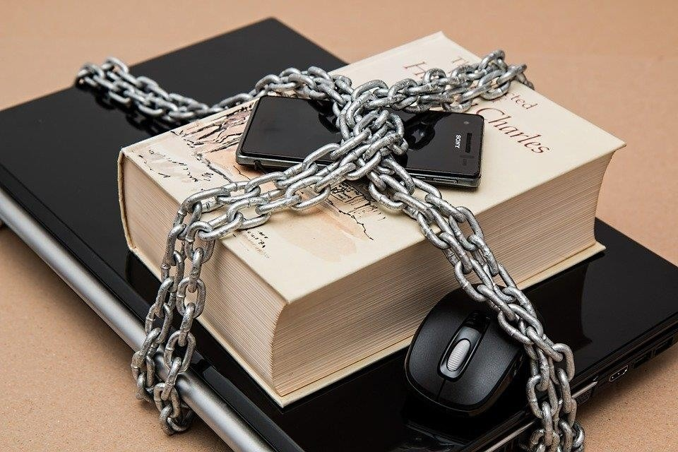 Bibliopolys - La Prensa y la Fundación para la Libertad de Prensa, encauzados en la lucha por la libertad de expresión
